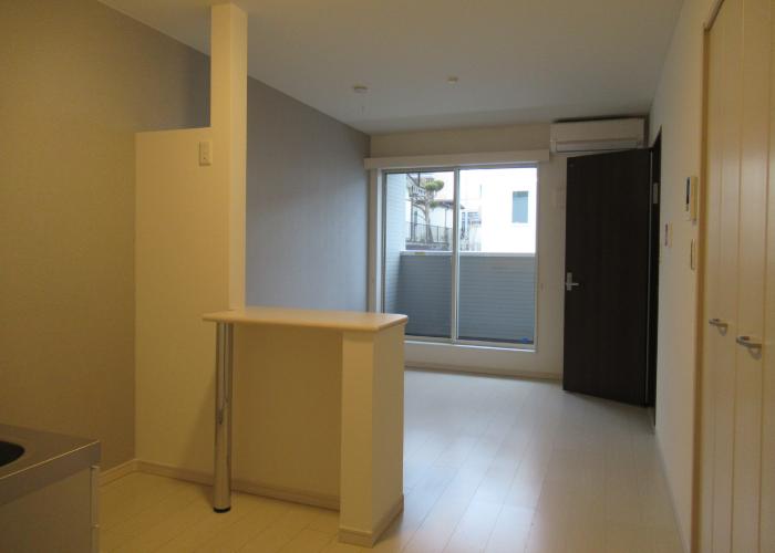 居室(キッチン間仕切り)